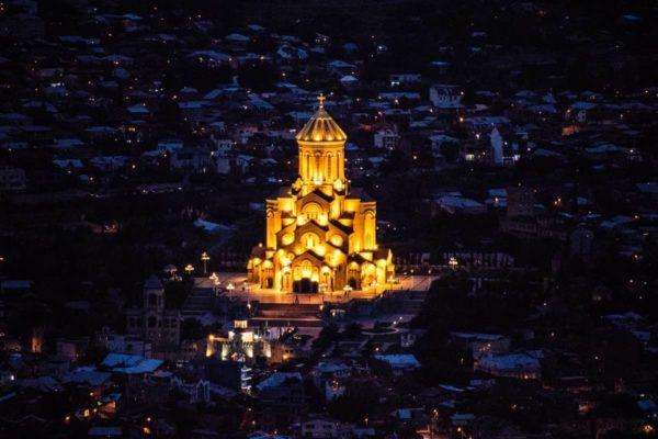 صور المعالم السياحية في جورجيا كاتدرائية الثالوث المقدس، تبليسي