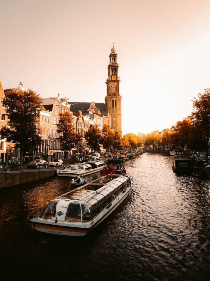 صور أمستردام، صور سفر، أفضل المعالم السياحية في أمستردام، برج مونتيلبانستورن