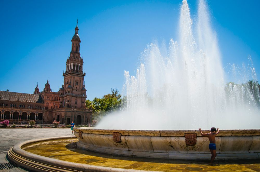 صور إسبانيا، صور سفر، أفضل الوجهات السياحية في إسبانيا، ساحة بلازا دي إسبانيا في إشبيلية