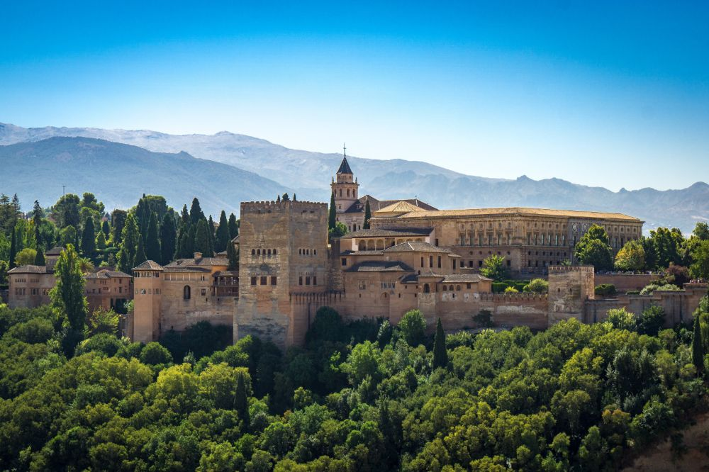 صور إسبانيا، صور سفر، أفضل الوجهات السياحية في إسبانيا، قصر الحمراء في غرناطة
