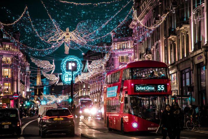 صور سفر، المعالم السياحية في المملكة المتحدة شوارع لندن، باص وتاكسي، لندن