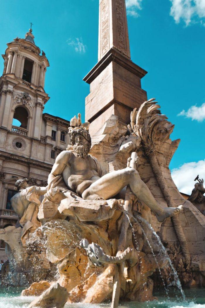 صور سفر، المعالم السياحية في روما، ساحات بياتزا ناڤونا
