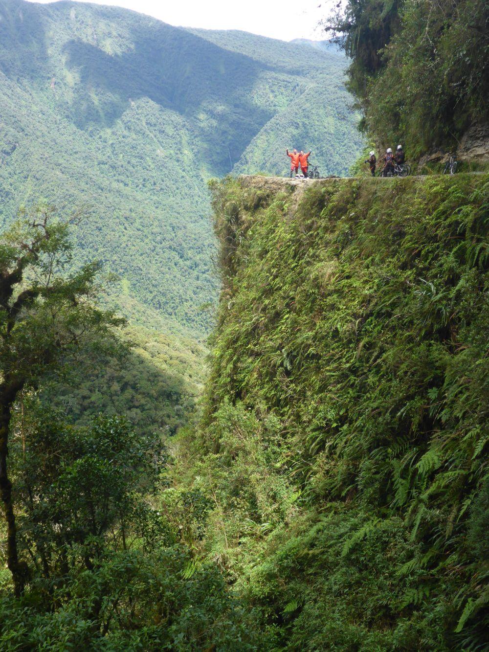 صور سفر، أكثر المزارات المخيفة في العالم، طريق يونغاس طريق الموت ، بوليفيا