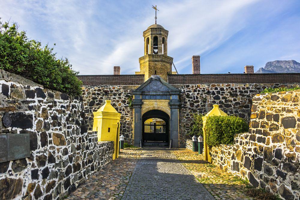 صور سفر، أكثر المزارات المخيفة في العالم، قلعة الرجاء الصالح قلعة كيب تاون ، جنوب أفريقيا