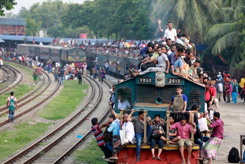 صور سفر، صور عيد الفطر، ركوب القطار في بنغلادش