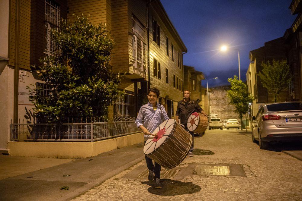 صور سفر، صور عيد الفطر، طبال العيد في تركيا