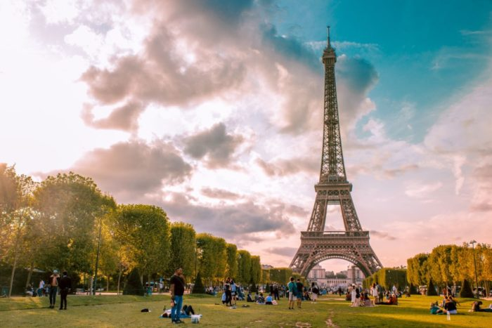 صور سفر باريس، أفضل المعالم السياحية في باريس، حديقة لو شامب دي مارس