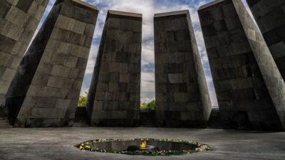 صور سفر يريفان، المعالم السياحية في يريفان، تسيتسيرناكابيرد