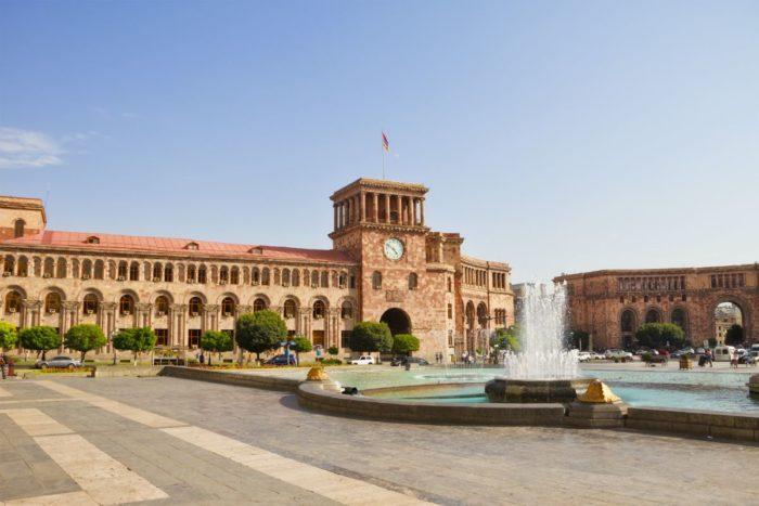 صور سفر يريفان، المعالم السياحية في يريفان، ساحة الجمهورية يريفان