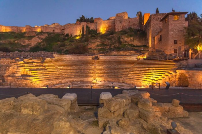 صور ملقة، صور سفر، أفضل المعالم السياحية في ملقة، المسرح الروماني في مالقة