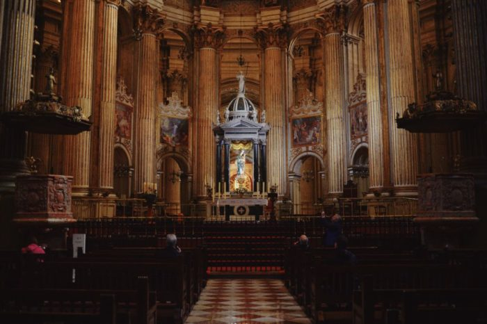 صور ملقة، صور سفر، أفضل المعالم السياحية في ملقة، كاتدرائية مالقة