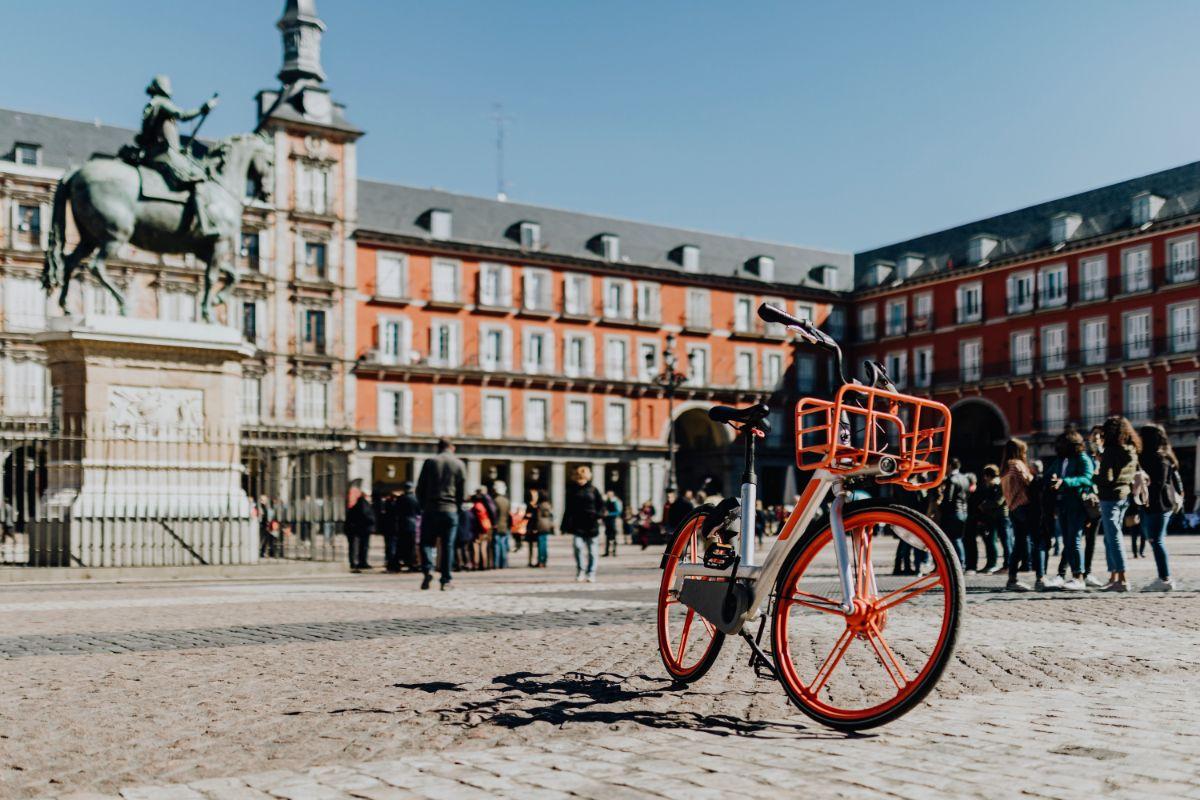 صور سفر مدريد، أفضل المعالم السياحية في مدريد، ساحة بلازا مايور